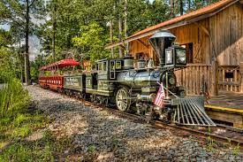 A miniature train at Pine Mountain Gold Museum